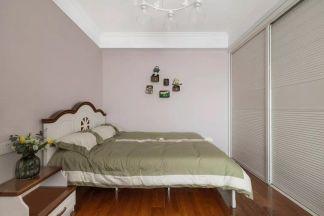 卧室白色背景墙装饰效果图