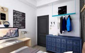 质朴蓝色卧室木门装修