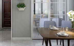 淡雅原木色餐桌装饰实景图片