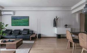 客厅白色背景墙室内装修设计