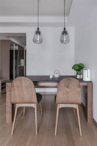 摩登日式原木色餐桌装修案例