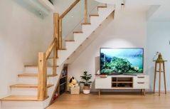 简单大气原木色楼梯装修图