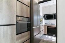 庄重原木色厨房装修效果图欣赏
