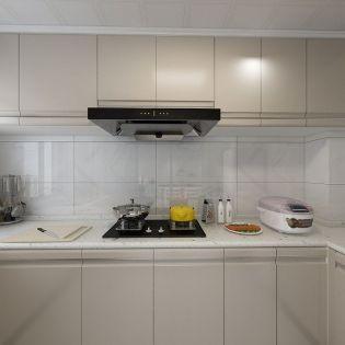 现代简约厨房灶台装饰实景图