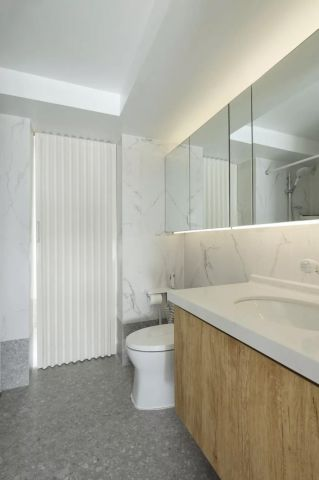 简洁原木色卫生间设计图