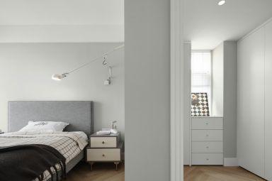 沉稳灰色卧室装饰图