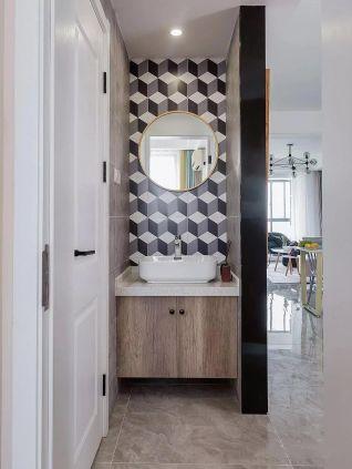 眩亮白色卫生间室内装饰