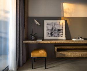 奢华大气米色客厅装修案例图片
