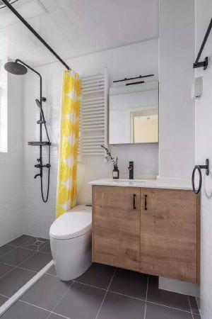 精雕細刻宜家原木色浴室柜裝潢實景圖