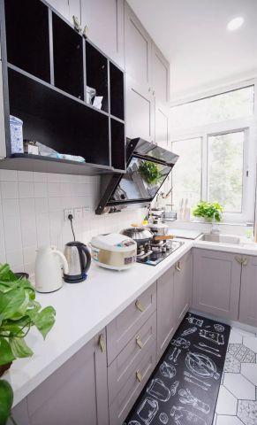 沉稳厨房装修设计