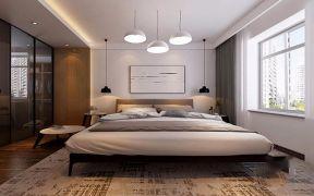 淡雅白色床装饰设计图片