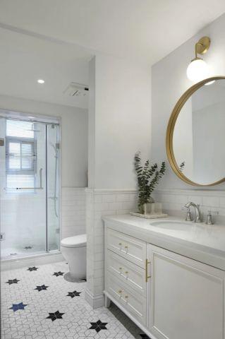 卫生间白色浴室柜案例图