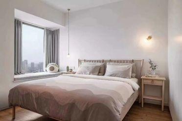 庄重卧室床装饰设计图片