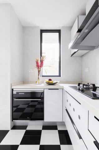 庄重白色厨房装修实景图