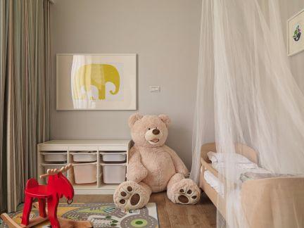 休闲白色卧室装潢实景图