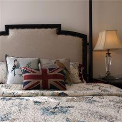 卧室白色背景墙装饰设计