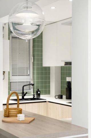 极致暖色系厨房岛台家装设计图