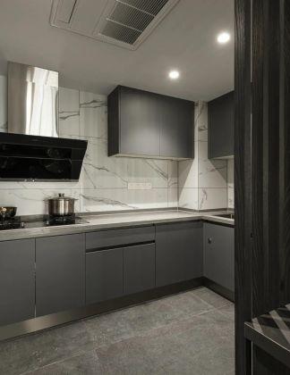 客厅暖色系隐形门装饰设计
