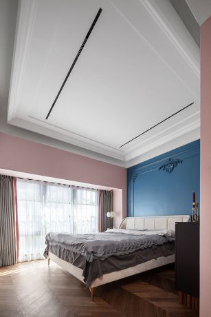 法式卧室床装潢实景图