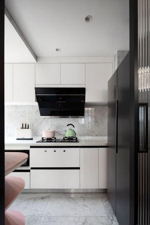 自然黑白厨房装修方案