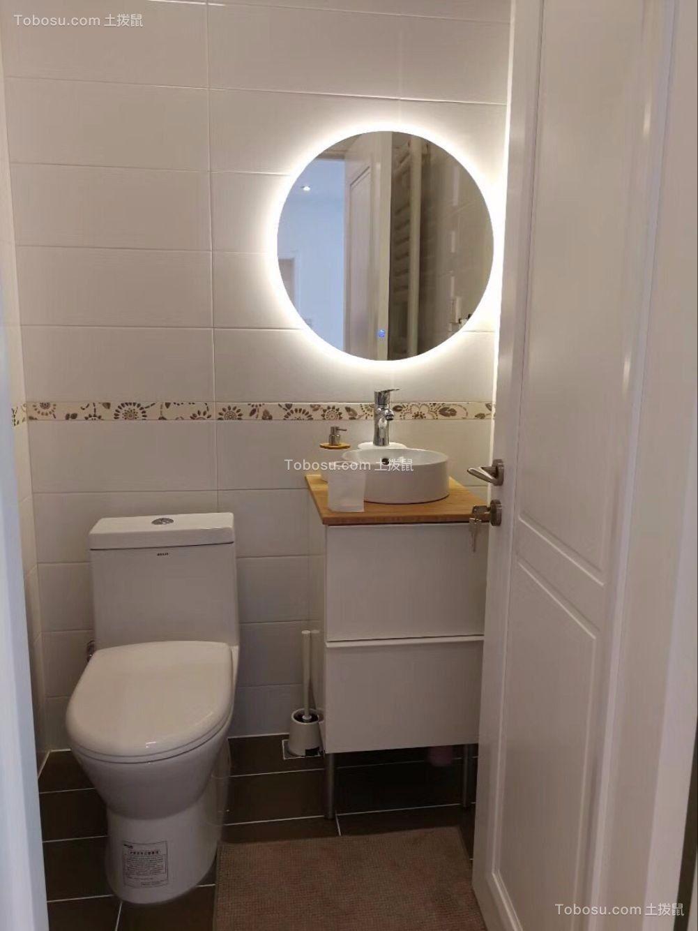 卫生间白色浴缸现代简约风格装饰效果图