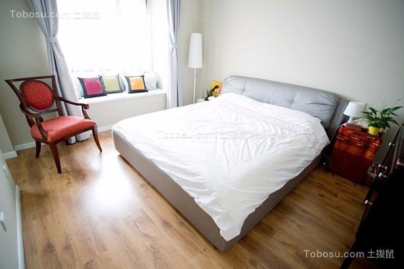 卧室白色床简单风格装饰图片
