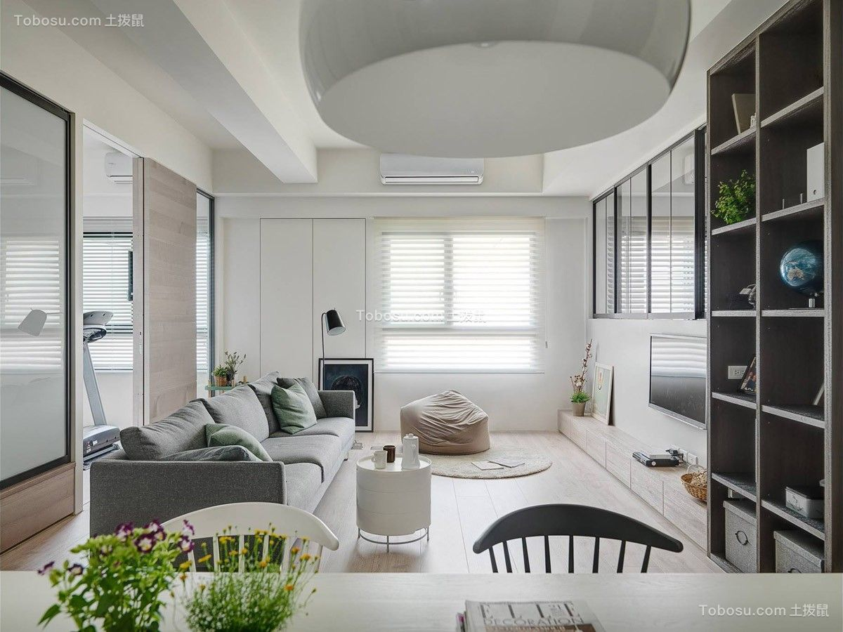 真实白色客厅装修设计图片