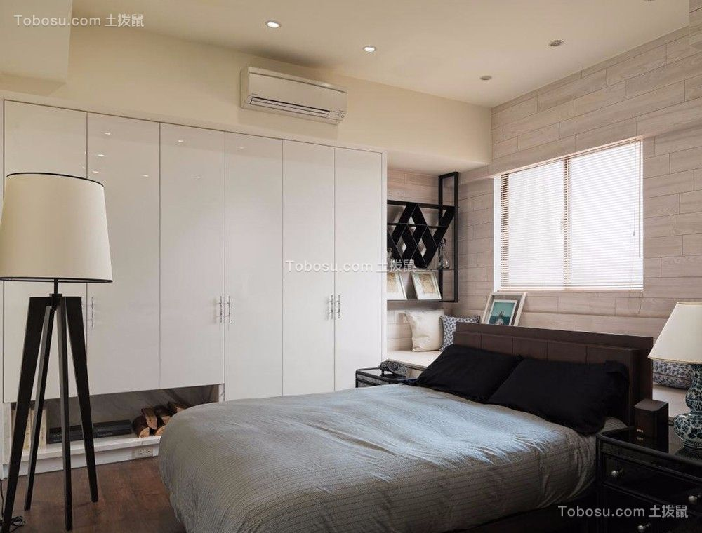 卧室白色衣柜欧式风格装潢效果图