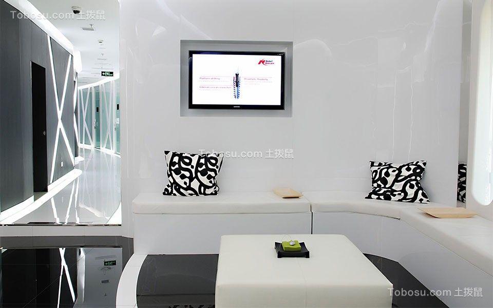 对于家具设施进行配套选择,灯饰照明物体、观赏艺术品、室内绿化和装饰织物等都是与整体明快的氛围相同。