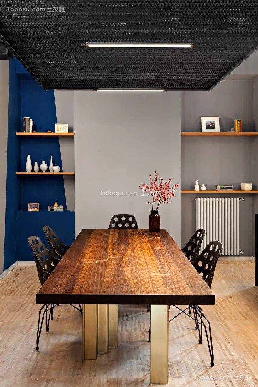 蓝色混凝土公寓设计