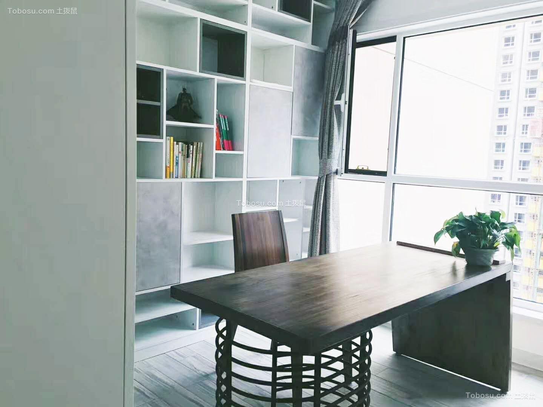 白色两室简约装修效果图