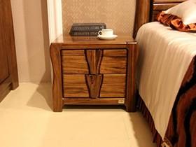 床头柜摆件