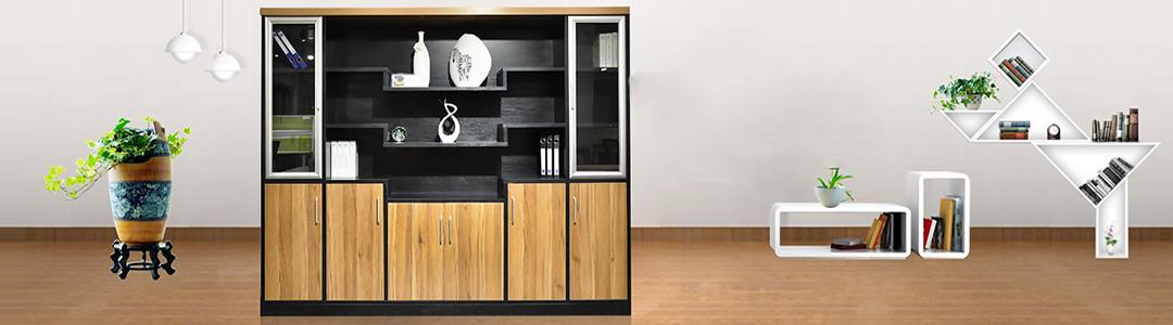 书柜是书房中的重要也是最基本的组成部分,不管是在家中的书房或是公司的办公室,书柜都是必要备的重要家具。一套漂亮的书柜不仅影响着书房的美观度,还体现着主人的温文儒雅的内涵。那么家居书房中的书柜如何来选择呢?
