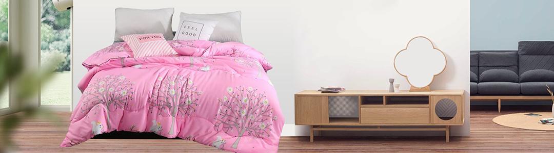 完整的家庭装修,大到墙纸地板,小到灯饰开关,每一个细节都能够影响家装风格和视觉效果。如果把家比作一张脸,假设家装是他的五官,那么布艺和家纺就是妆容和穿搭了。怎样的风格该选择怎样的布艺和床品,怎样配色最为和谐和赏心悦目,今天小编为您一一支招。