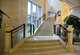 室内楼梯装修,风景上层更好
